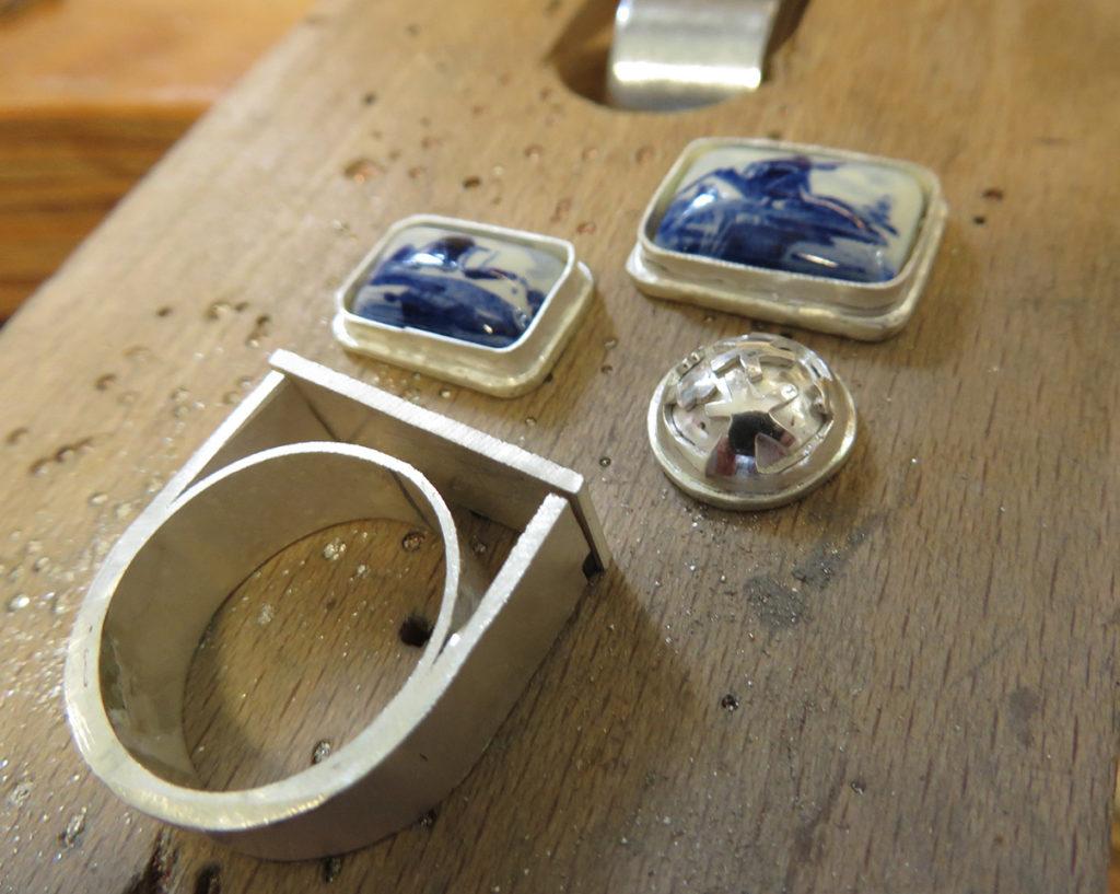 Ring met Delftsblauwe stenen