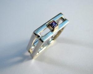 vierkante ring met amethyst