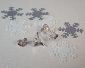 Zilveren oorbelstekertjes met Ginkgo blaadjes €35,00